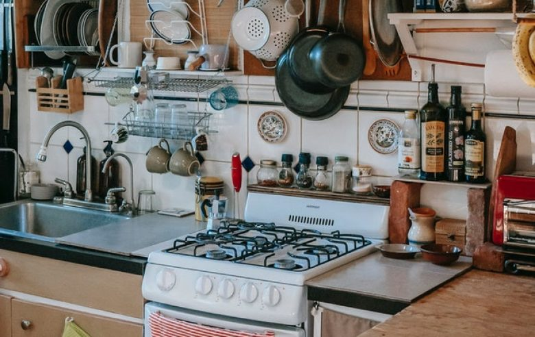 Set up a temporary kitchen during renovation